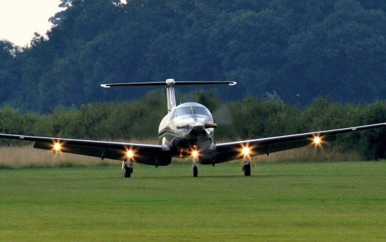 pilatus-pc-12-aircraft-wallpaper-1920x1080